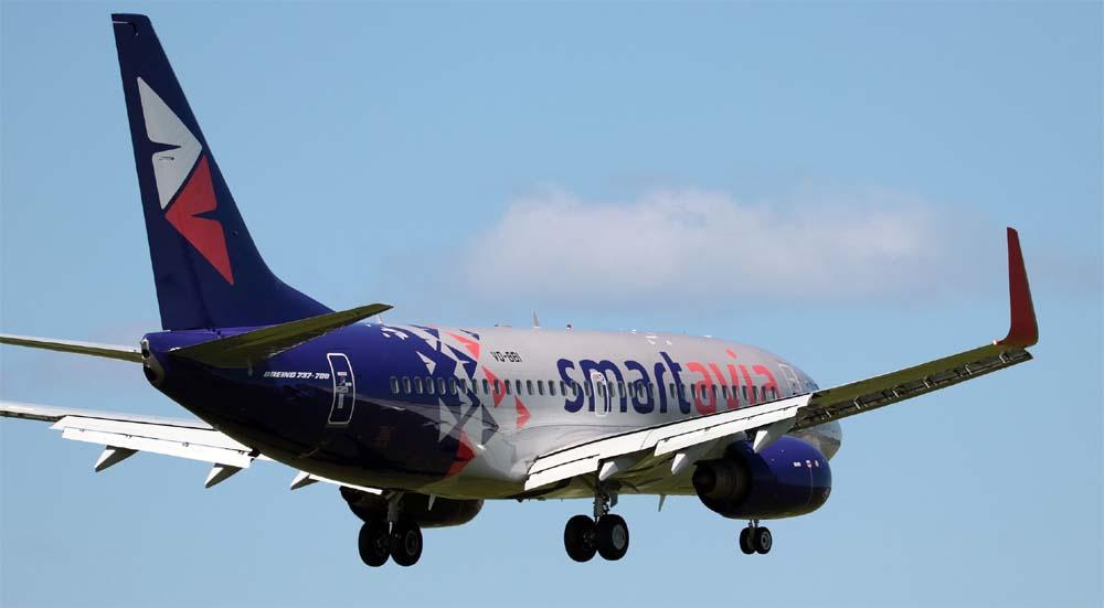 Самолет авиакомпании SmartAvia